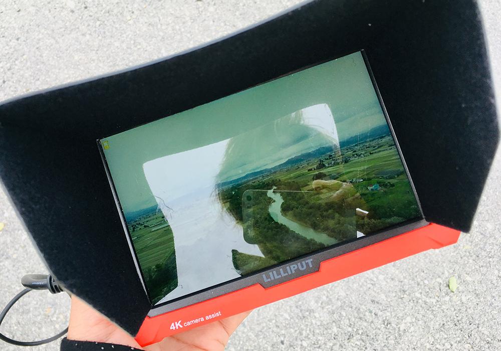 ドローン映像を地上からモニター